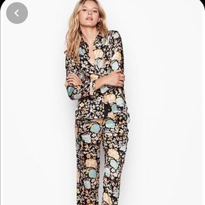 VS Black Satin Floral pajamas long set
